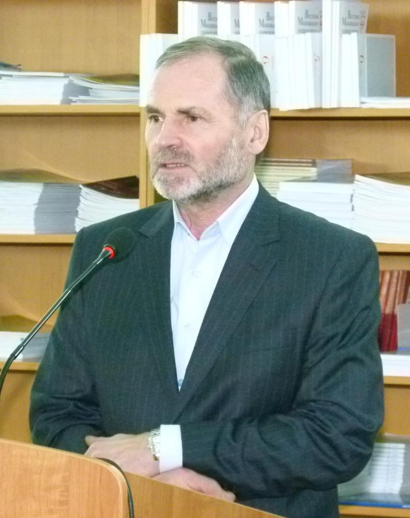 Сын писателя Евгений Львович.