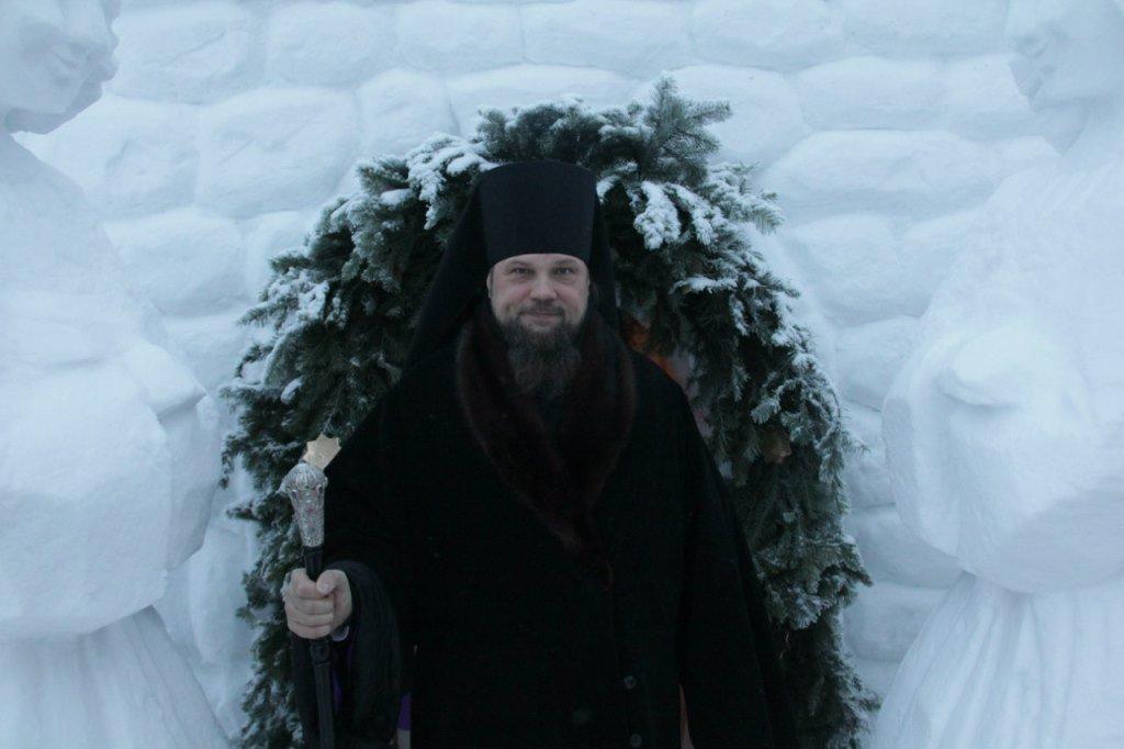Епископ Питирим свою праздничную декаду проиллюстрировал полусотней фотографий.
