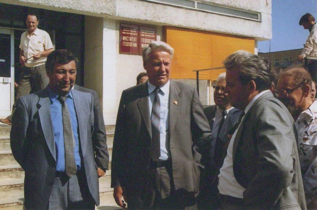 Накануне выборов президента Российской Федерации. Сыктывкар, 1990 год.