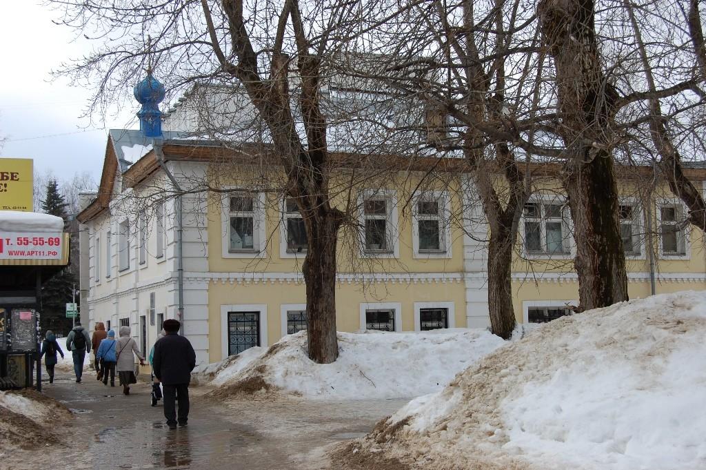 В этом здании в 1918 году размещалась ЧК.