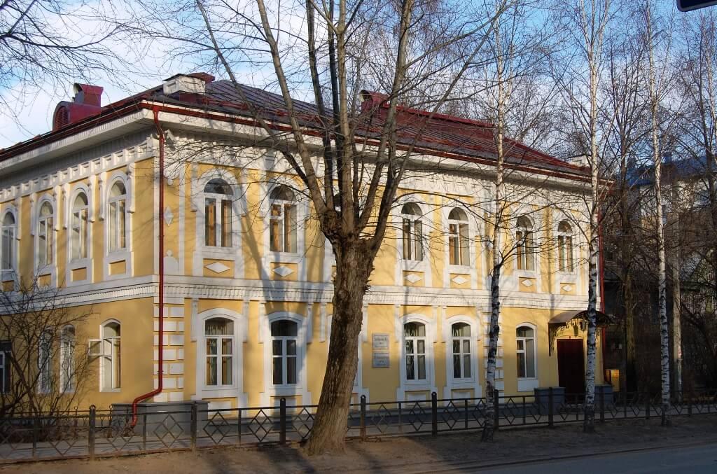 Здесь жил Василий Оплеснин.