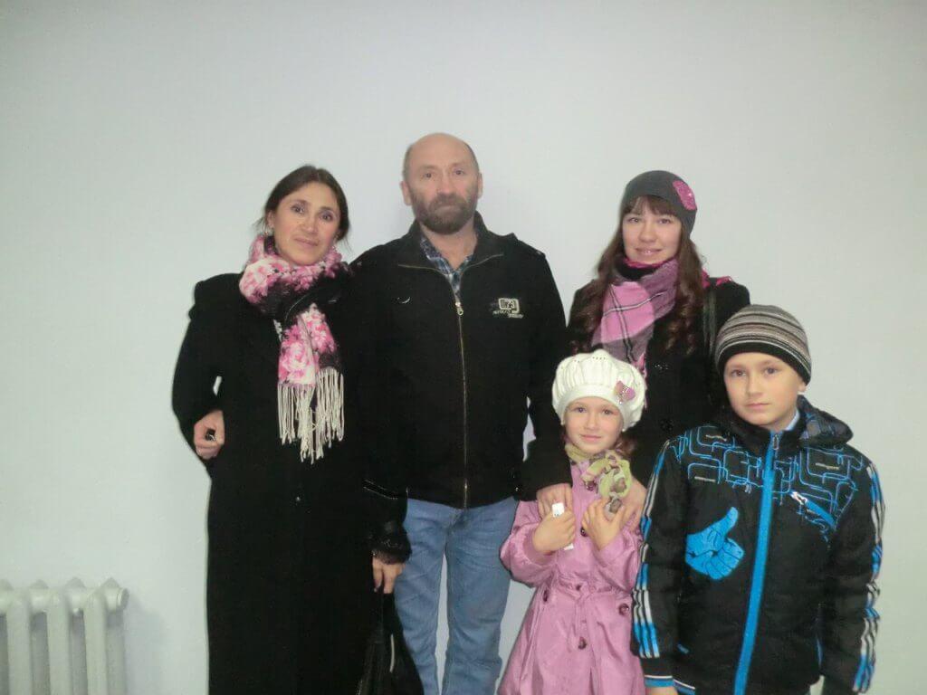 Татьяна Попова с семьей.