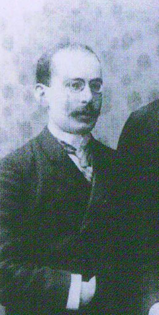 Иосиф Гессен – юрист и политик.  1897 год.
