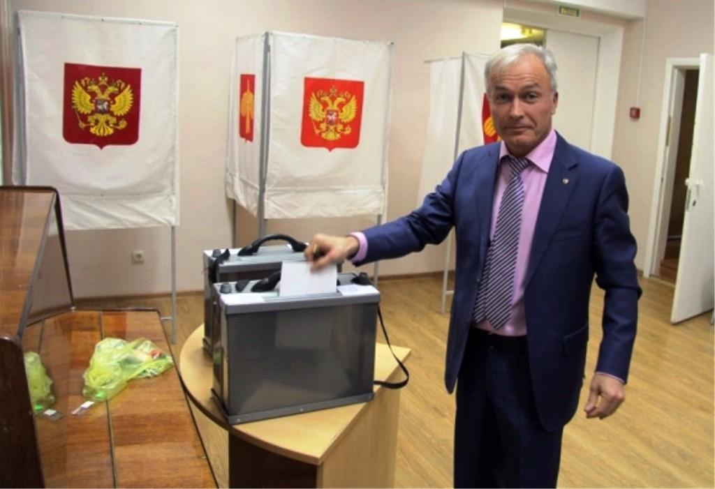 В Воркуте руководителем местного отделения «Единой России»  переизбрали предпринимателя Руслана Магомедова.