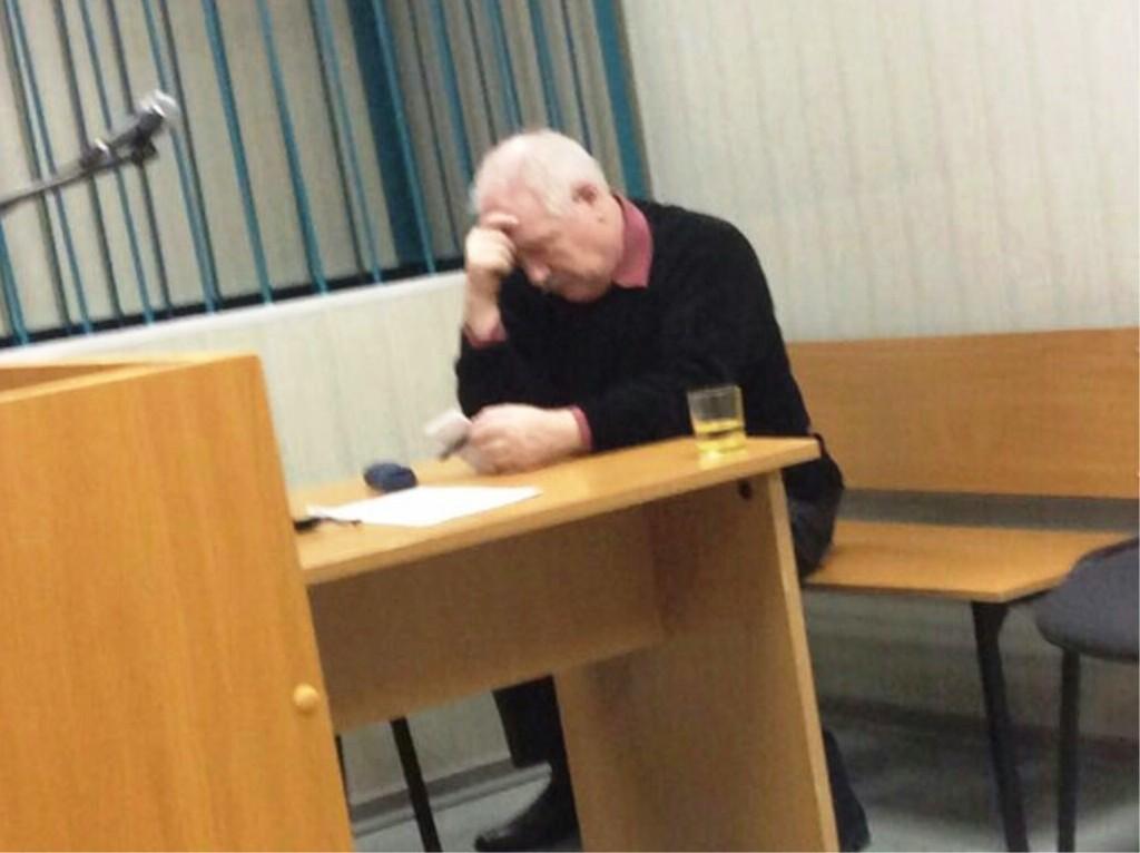 Попов в зале суда
